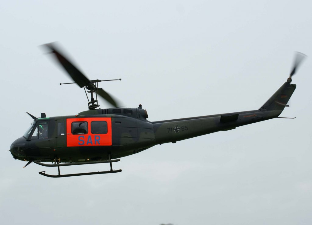 huey for sale helicopter with Bell Uh 1 on 37 moreover Kit rm 5633 also Ah 1 Pics in addition Apocalypse Now Aura Droit A Sa Version En Jeu Video in addition 71 60 Germany Army Bell Uh 1d Iroquois.