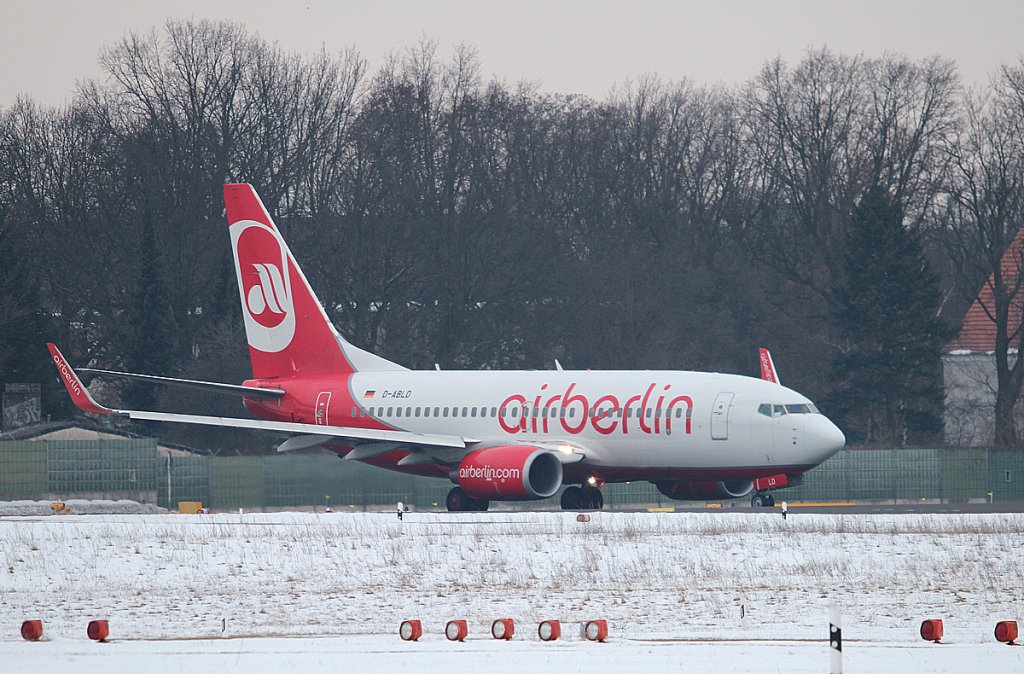 Air Berlin B 737-76J D-ABLD kurz vor dem Start in Berlin-Tegel am 01.04.2013