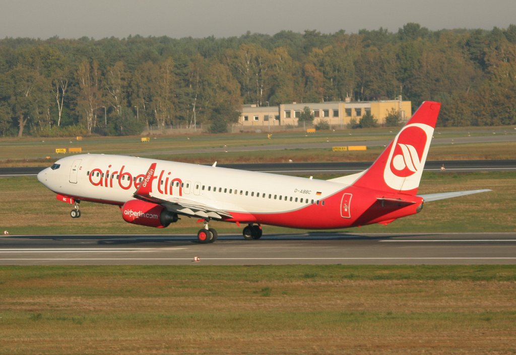 Air Berlin B 737-86J D-ABBC beim Start in Berlin-Tegel am 15.10.2011