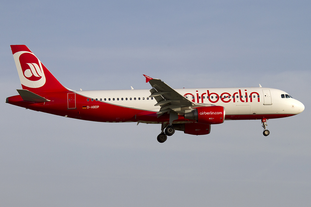 Air Berlin, D-ABDP, Airbus, A320-214, 06.04.2011, DUS, Düsseldorf, Germany
