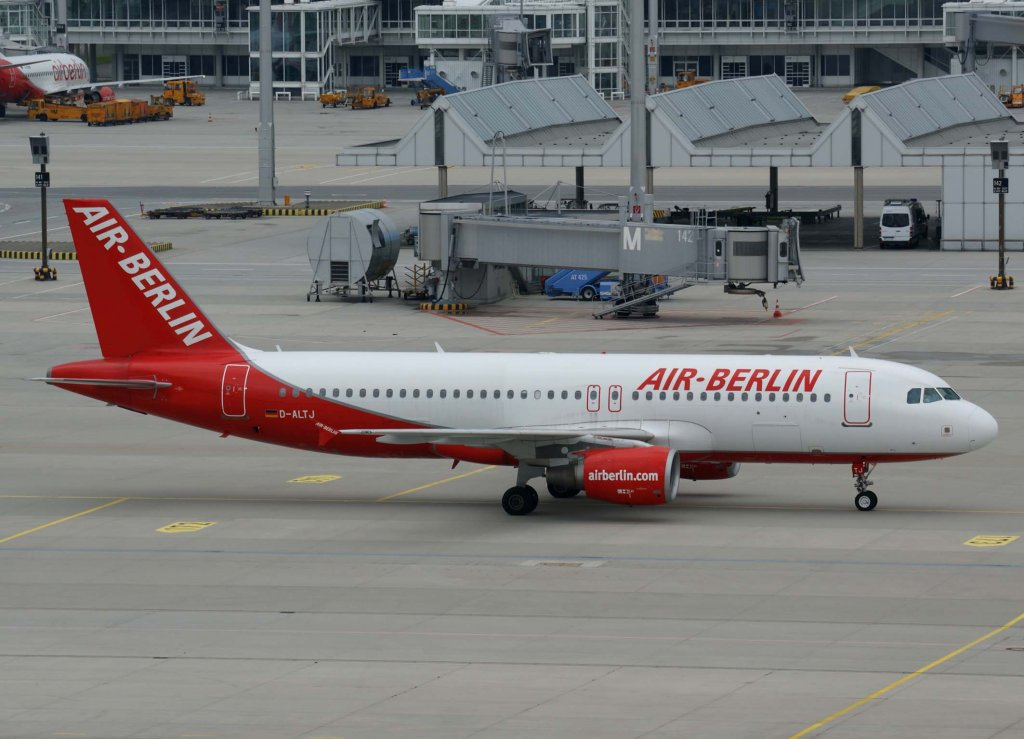 Air Berlin, D-ALTJ (mittlere-AB-Lackierung), Airbus A 320-200, 2009.06.27, MUC, München, Germany