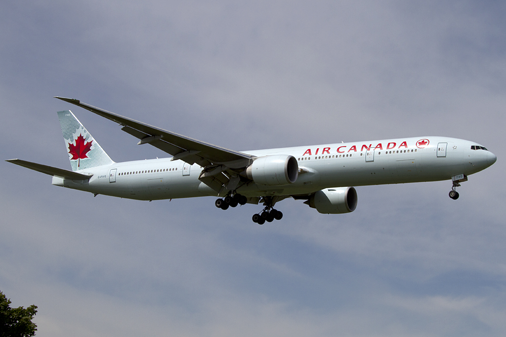 air canada c fivq boeing b777 333 er yul montreal canada flugzeug. Black Bedroom Furniture Sets. Home Design Ideas