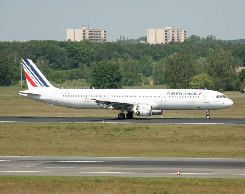 Air France A 321-212 F-GTAY nach der Landung in Berlin-Tegel am 22.05.2012