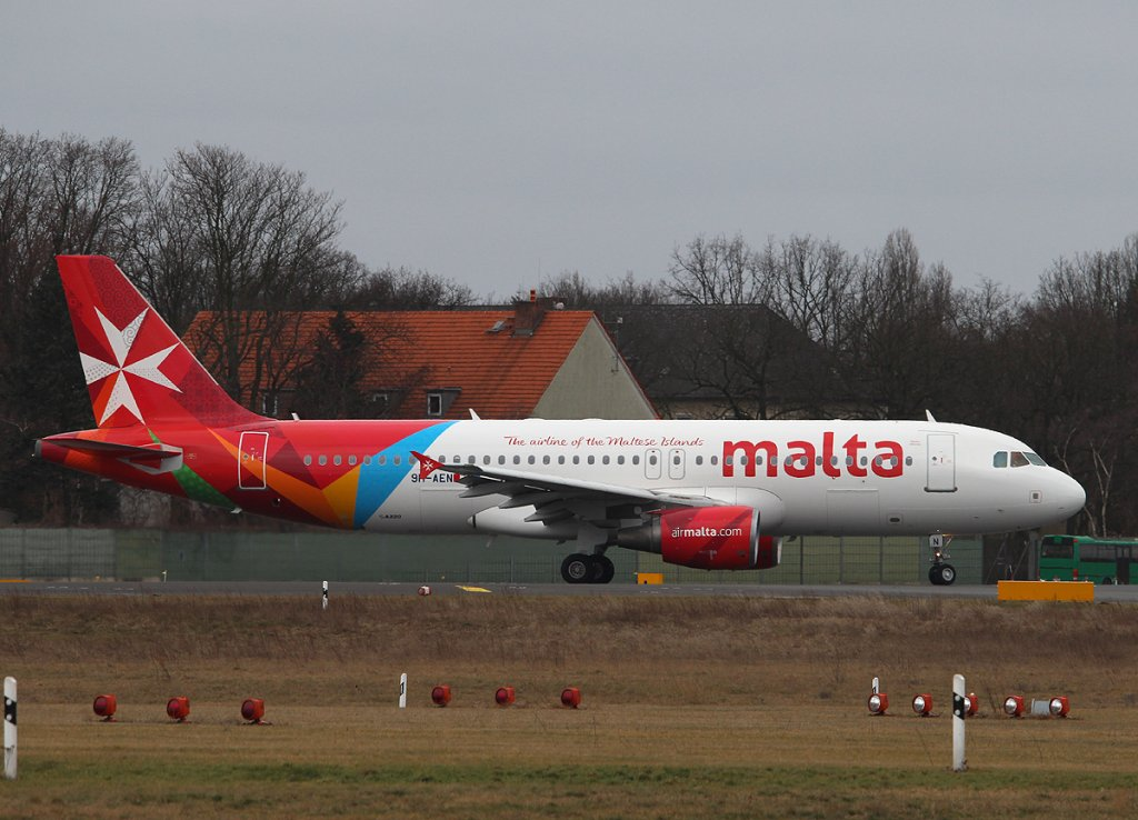 Air Malta A 320-214 9H-AEN kurz vor dem Start in Berlin-Tegel am 03.03.2013