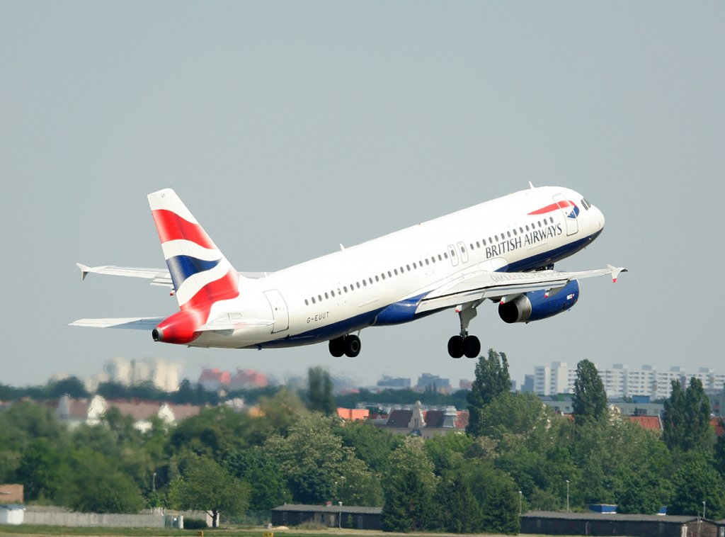 British Airways A 320-232 G-EUUT beim Start in Berlin-Tegel am 22.05.2012
