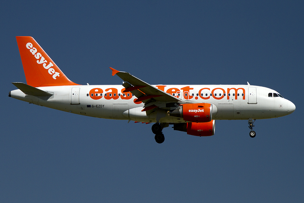 Easy Jet, G-EZDY, Airbus, A319-111, 18.08.2012, CDG, Paris, France