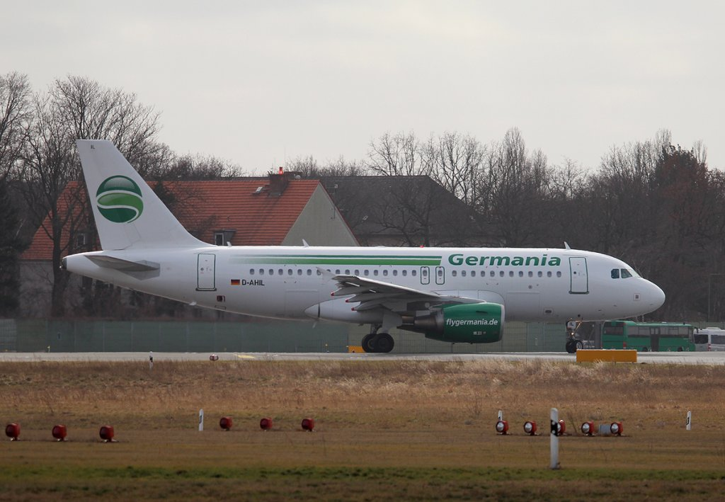 Germania A 319-112 D-AHIL kurz vor dem Start in Berlin-Tegel am 01.03.2013