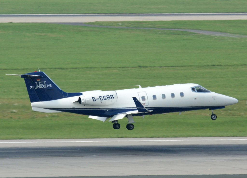 Jet Executive International Charter DCGBR Learjet 55 28072011 DUSEDDL