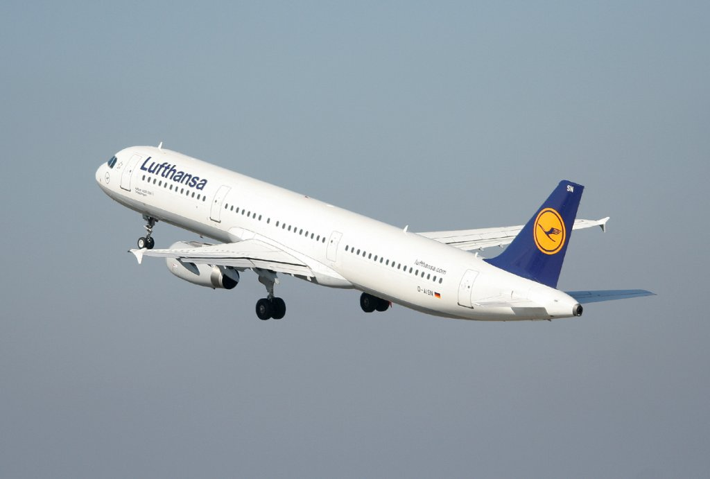Lufthansa A 321-231 D-AISN  Göppingen  nach dem Start in Berlin-Tegel am 25.03.2012