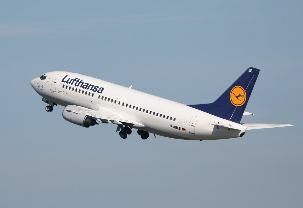 Lufthansa B 737-330 D-ABEE  Ulm  beim Start in Berlin-Tegel am 21.08.2010