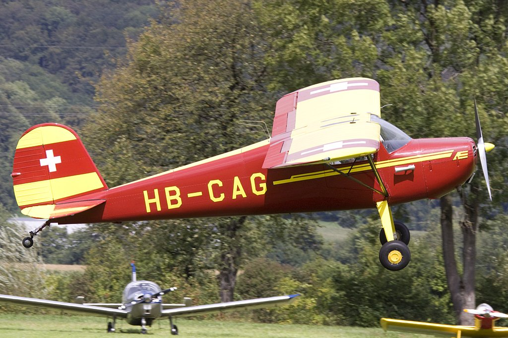 Private, HB-CAG, Cessna, F140, 22.08.2009, Kestenholz, Switzerland