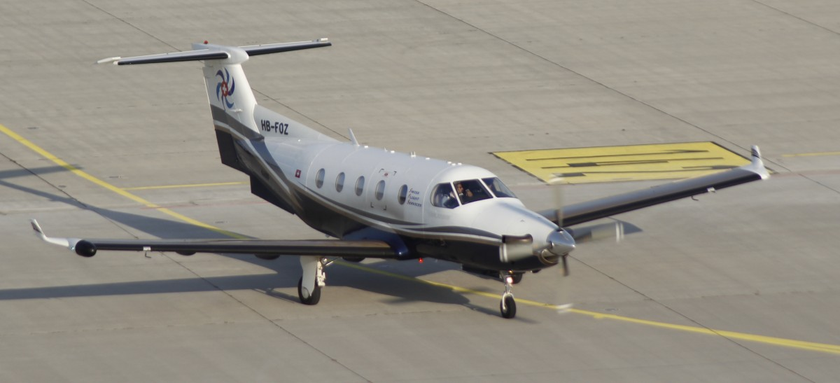 09.08.15 @ LEJ / Swiss Flight Service Pilatus PC-12 HB-FOZ