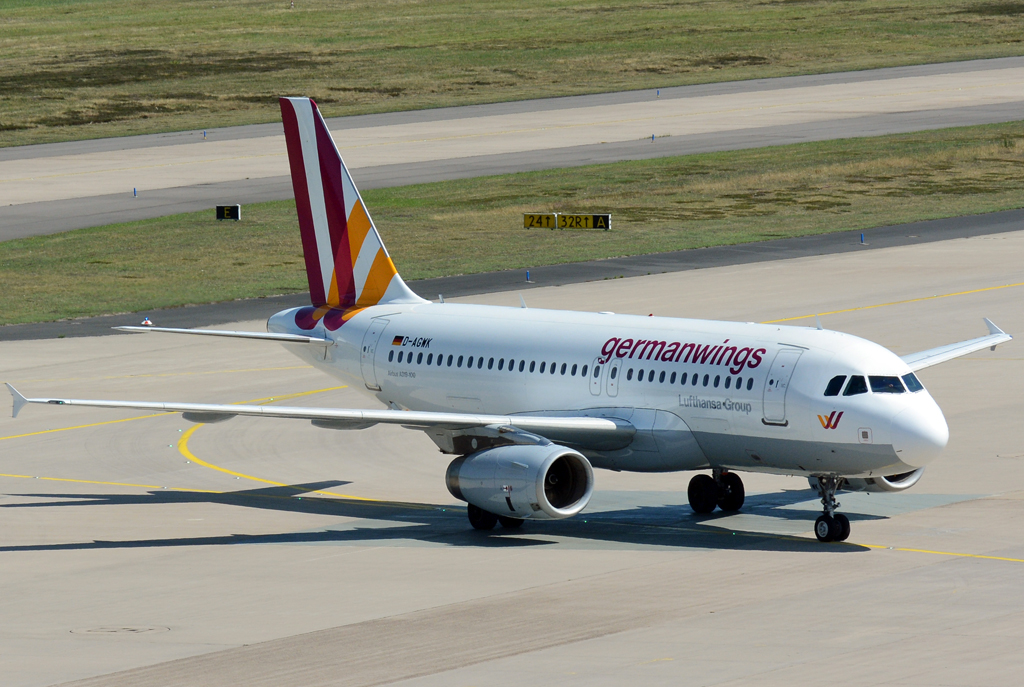 A 319-100 D-AGWK Germanwings, taxy at CGN 02.08.2015