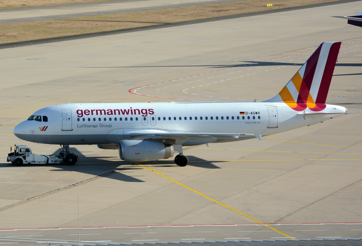 A 319-100 D-AGWV Germanwings, taxy at CGN, 02.02.2014