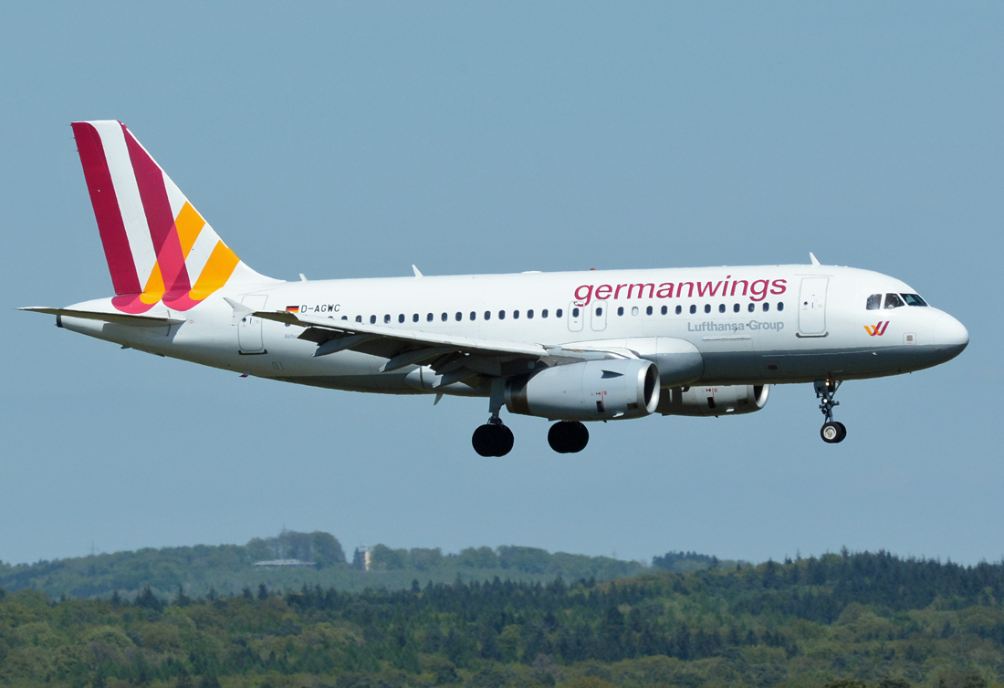 A 319-100 Germanwings, D-AGWC, short final in CGN - 05.05.2016