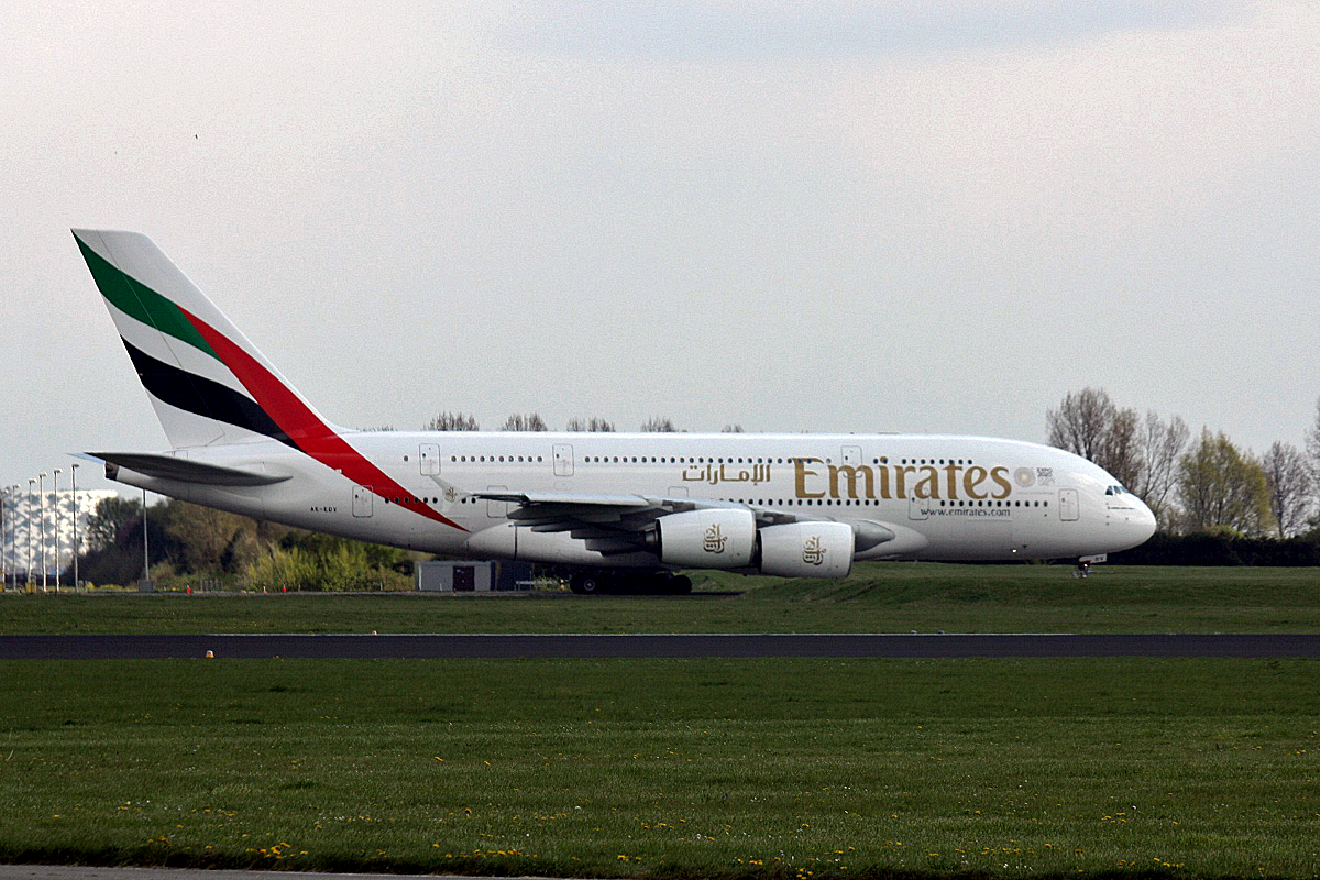 A6-EDV Emirates Airbus A380-861 am 12.04.2019 in Amsterdam Schipohl.
