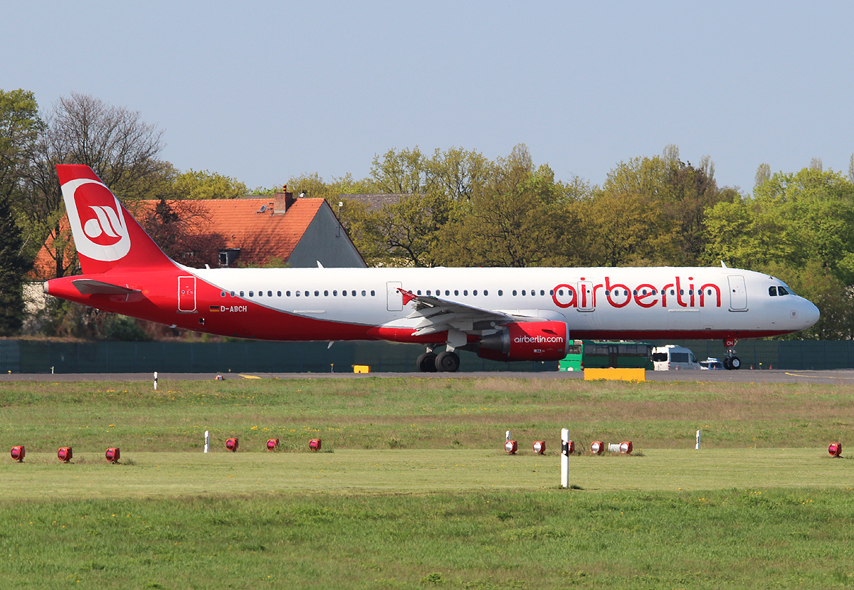 Air Berlin A 321-211 D-ABCH kurz vor dem Start in Berlin-Tegel am 05.05.2013
