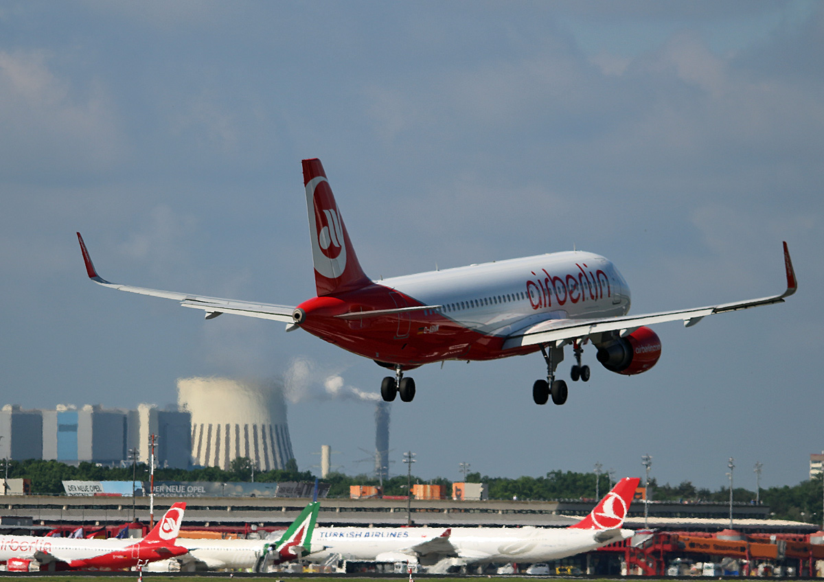 Air Berlin, Airbus A 320-214, D-ABNM, TXL, 25.05.2017
