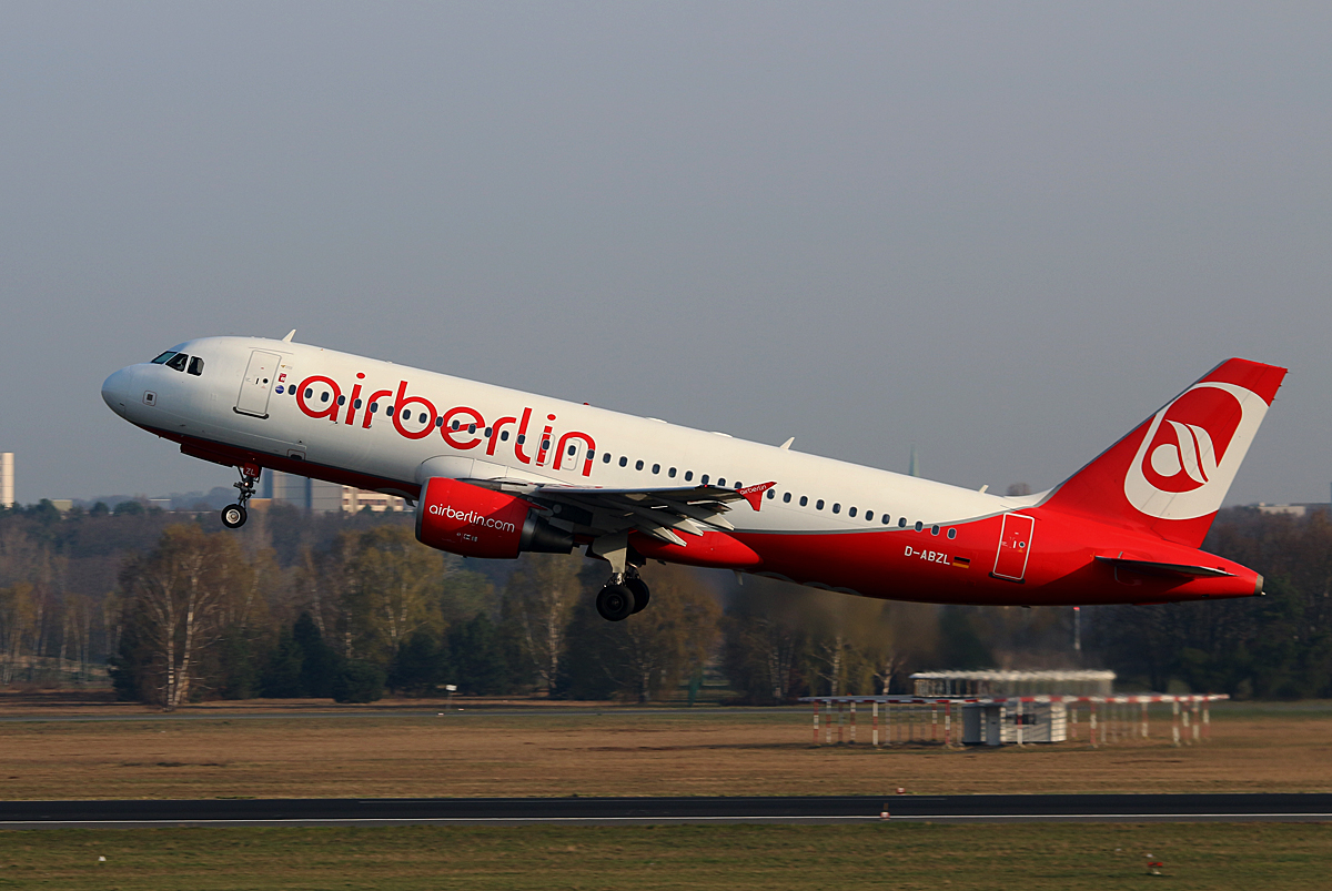 Air Berlin, Airbus A 320-216, D-ABZL, TXL, 09.04.2016
