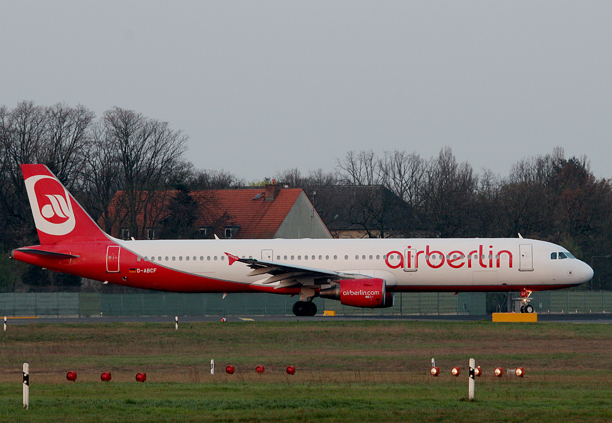 Air Berlin, Airbus A 321-211, D-ABCF, TXL, 02.04.2017