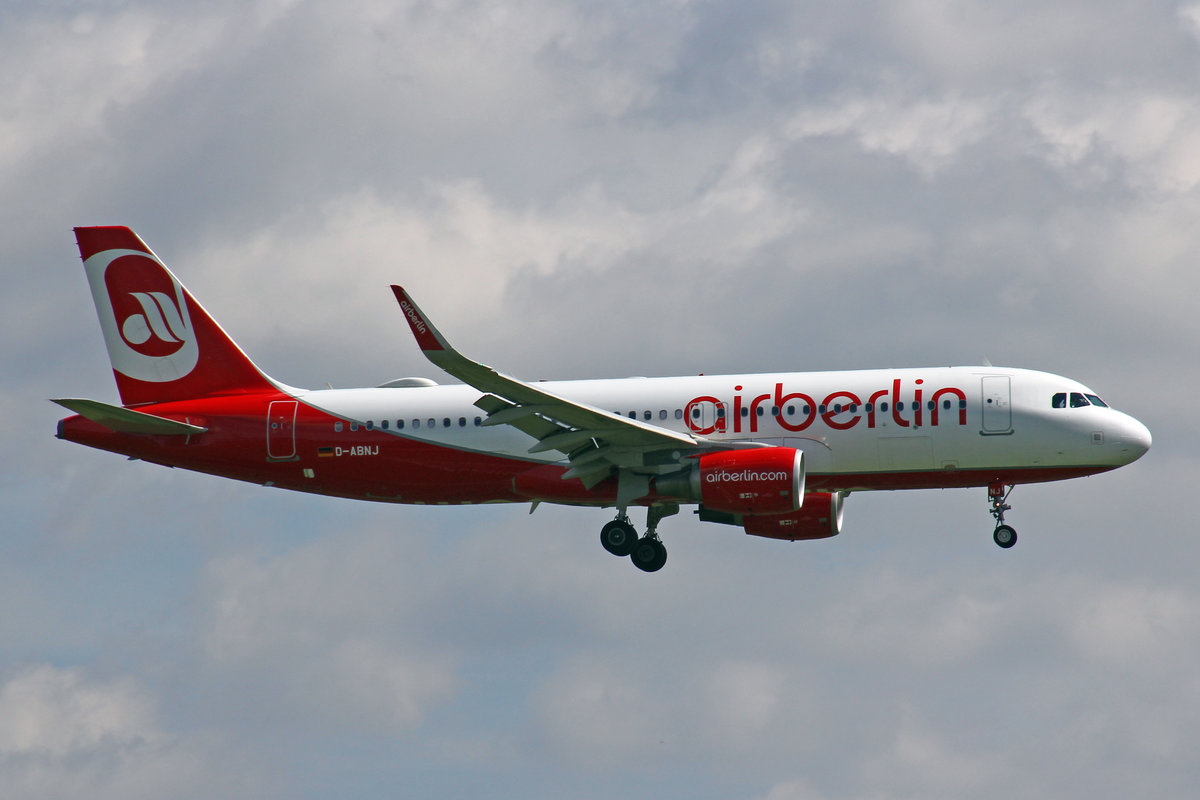 Air Berlin, D-ABNJ, Airbus A320-214, 29.Juli 2017, ZRH Zürich, Switzerland.