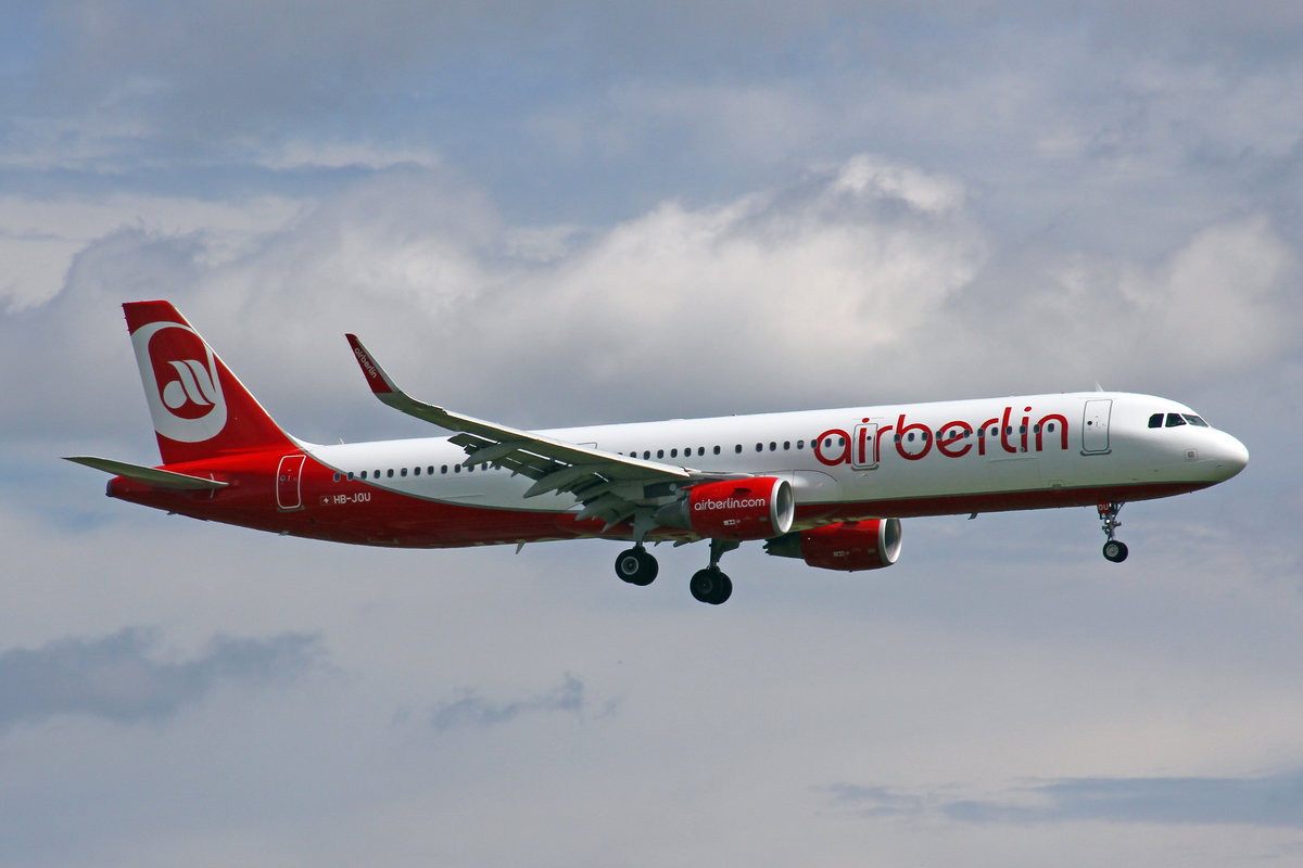 Air Berlin (Operated by Belair Airlines), HB-JOU, Airbus A321-211, 29.Juli 2017, ZRH Zürich, Switzerland.