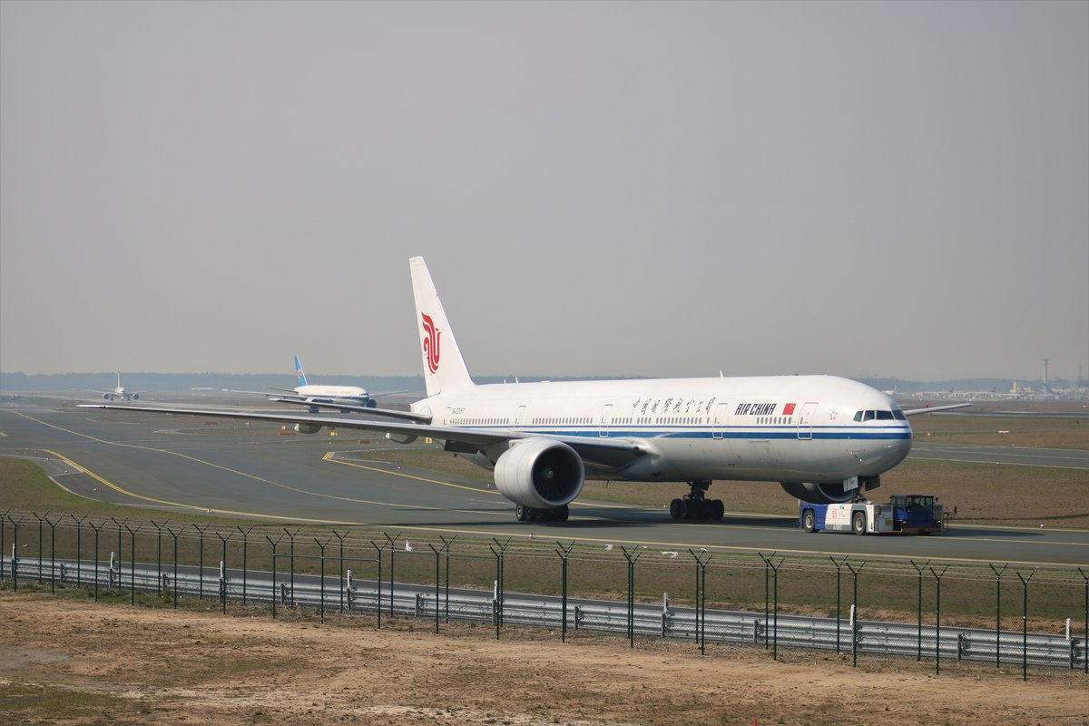 Air China Boeing 777 B-2087 am 23.03.19 in Frankfurt am Main Flughafen