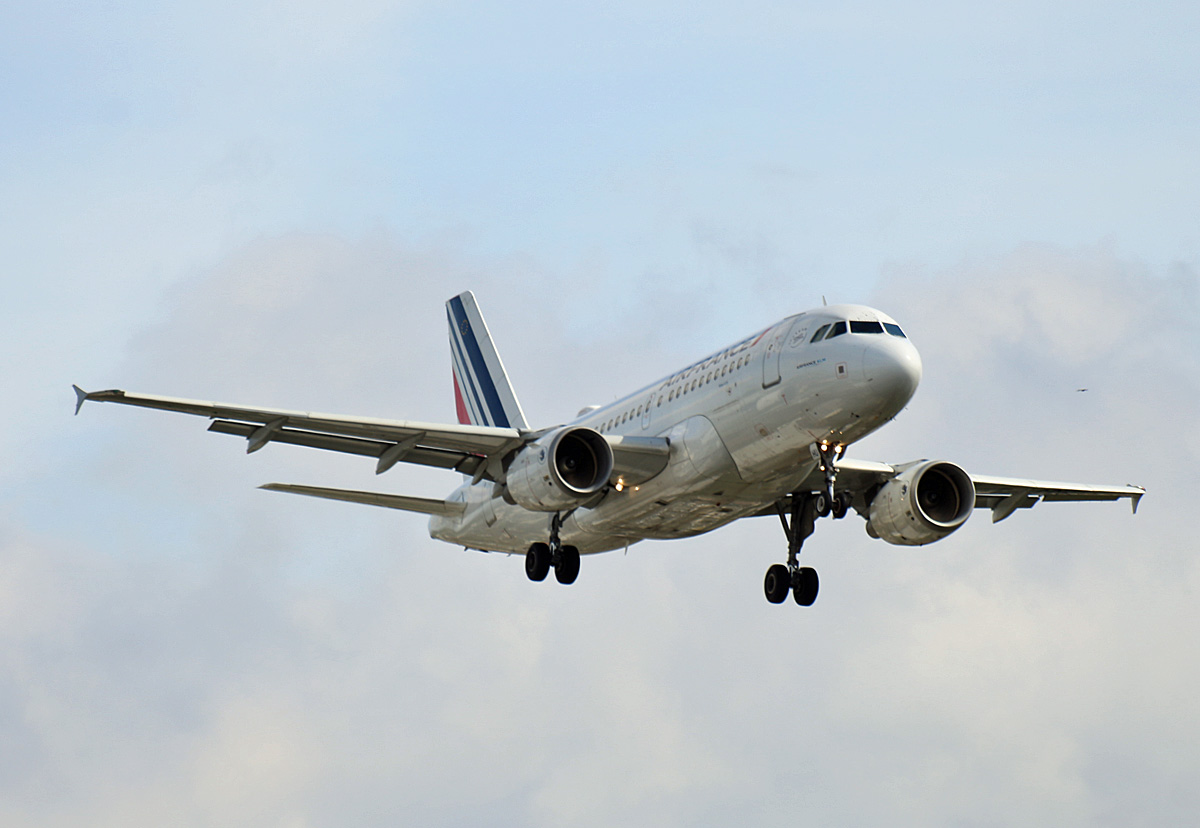 Air France, Airbus A 319-111, F-GRHU, TXL, 04.09.2020