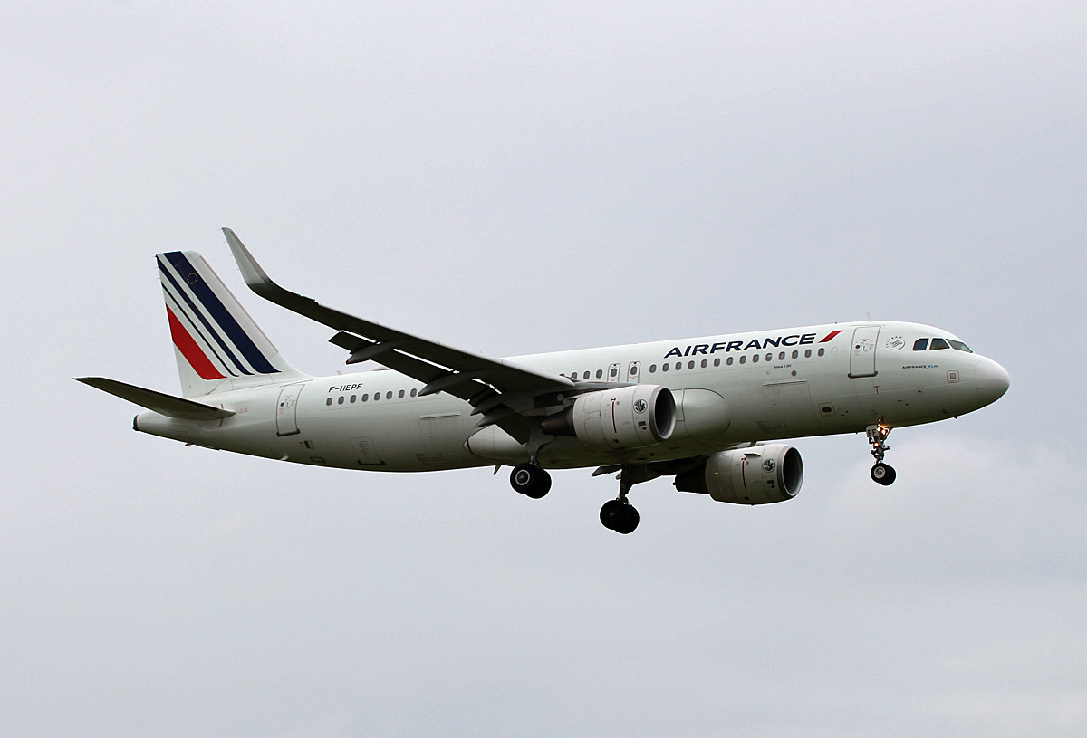Air France, Airbus A 320-214, F-HEPF, TXL, 20.06.2020