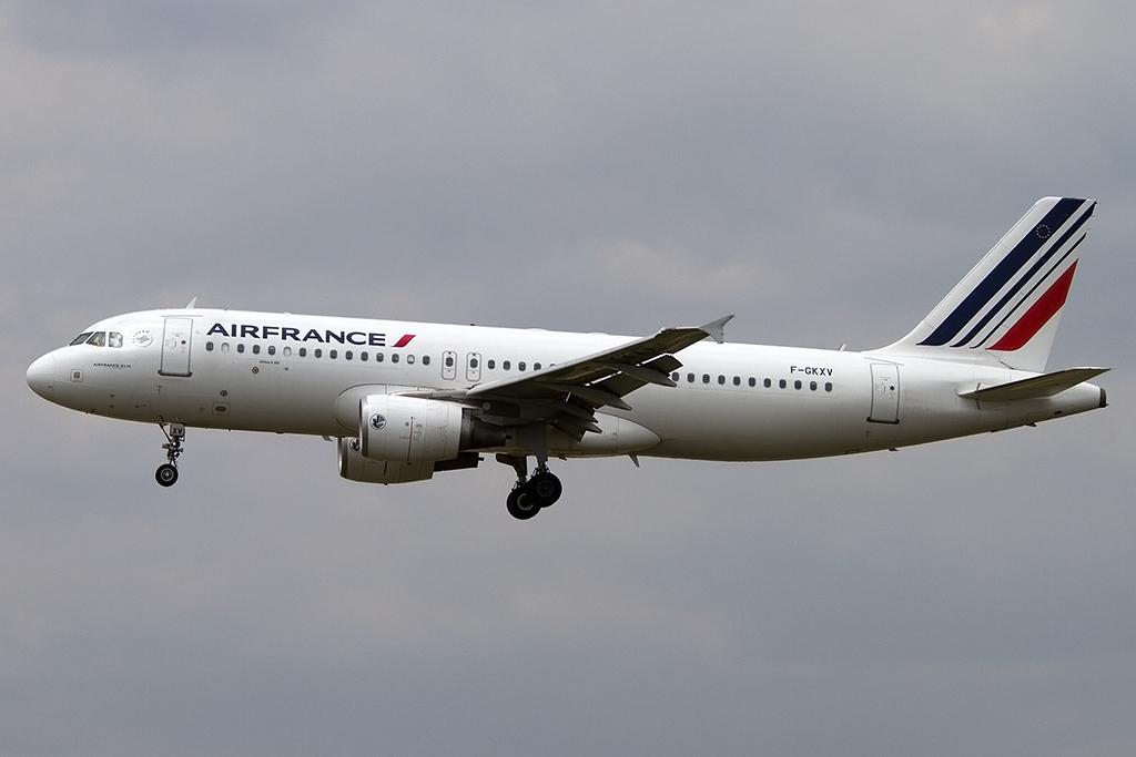 Air france f gkxv airbus a320 214 bcn for Oficinas air france barcelona