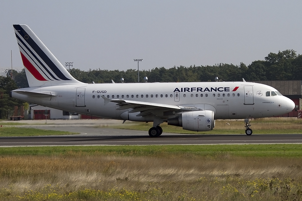 Air France, F-GUGD, Airbus, A318-111, 28.09.2013, FRA, Frankfurt, Germany