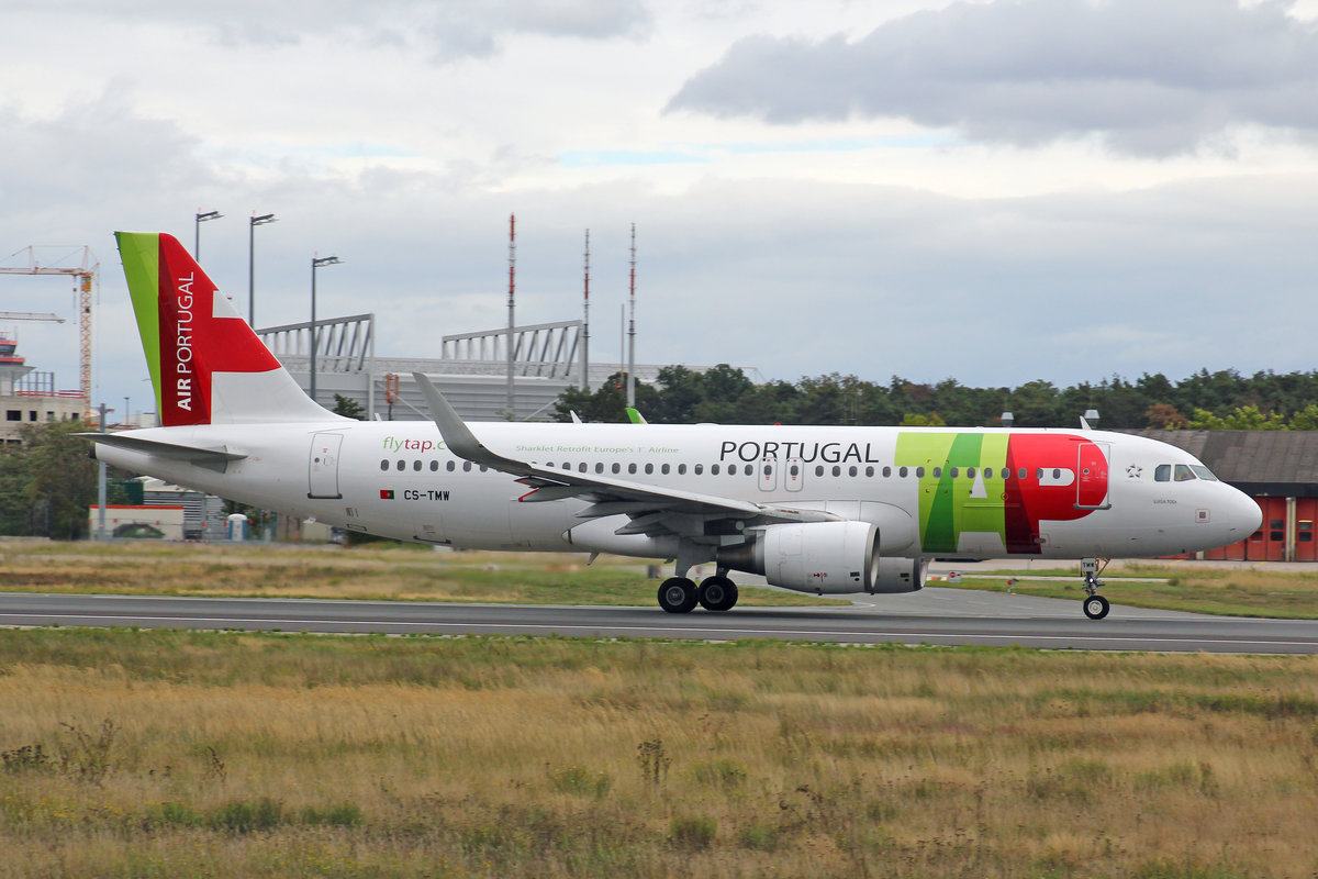 Air Portugal, CS-TMW, Airbus A320-214, msn: 1667, 28,September 2019, FRA Frankfurt, Germany.