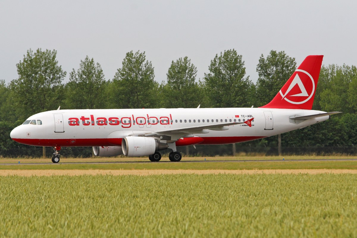 AtlasGlobal Airlines, TC-ABL, Airbus A320-214, 4.Juli 2015, AMS, Amsterdam, Netherlands.