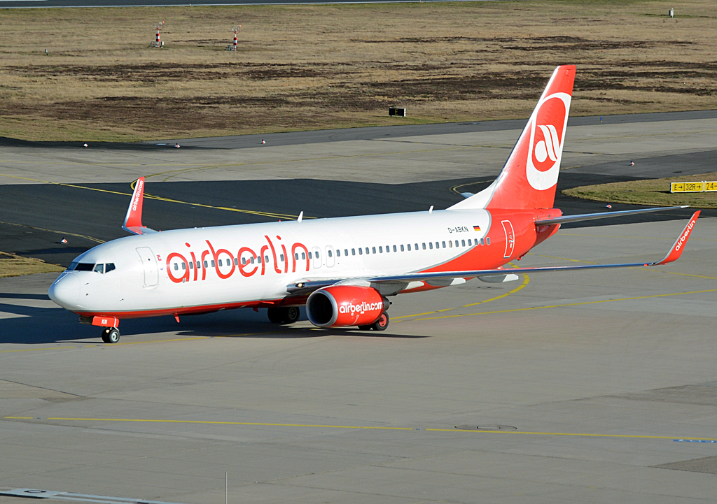 B 737-86J, D-ABKN der Air Berlin, taxy at CGN - 02.02.2014