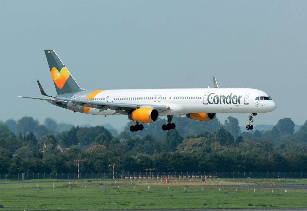 B 757-300 D-ABOF Condor/Thomas Cook, short final at DUS - 04.09.2014