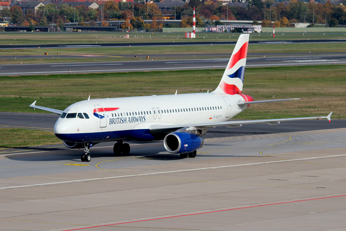 British Airways A 320-232 G-EUYF bei der Ankunft in Berlin-Tegel am 19.10.2013