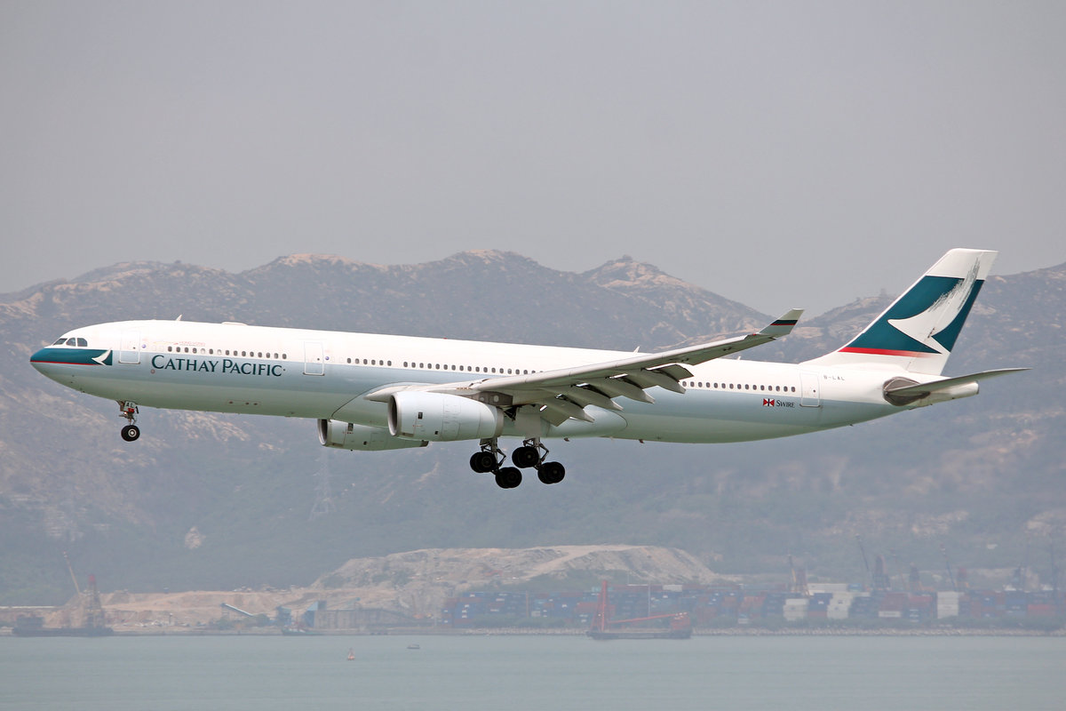 Cathay Pacific Airways, B-LAL, Airbus A330-343X, msn: 1222, 18.April 2014, HKG Hong Kong.