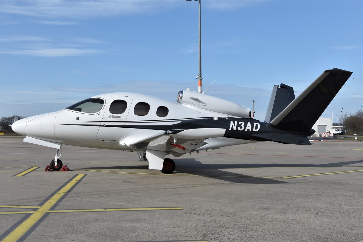 Cirrus Vision SF50 - Private - 34 - N3AD - 08.03.2020 - CGN