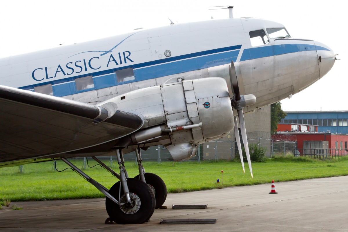 Passagierflugzeuge douglas flugzeug for Classic 3