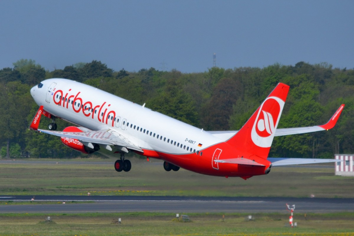 D-ABKT Air Berlin Boeing 737-86J (WL)   in Tegel gestartet  23.04.2014