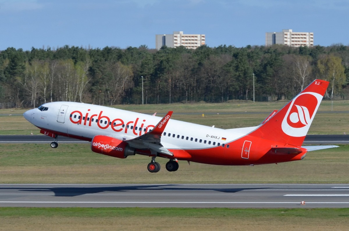 D-AHXJ Air Berlin Boeing 737-7K5(WL)   gestartet in Tegel  16.04.2015