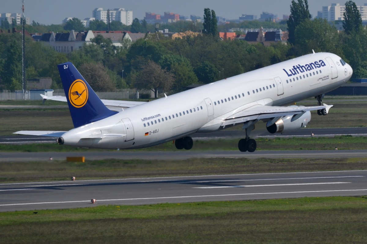 D-AIDJ Lufthansa Airbus A321-231   Start in Tegel 25.04.2014