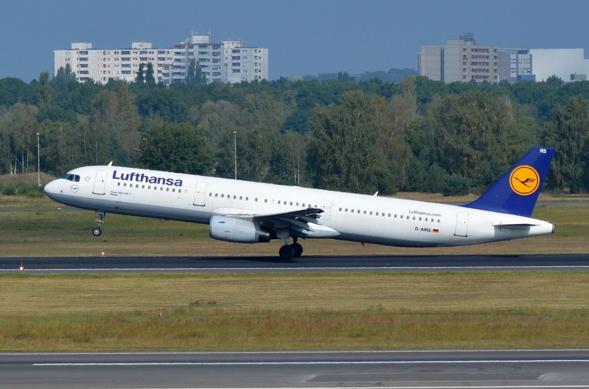 D-AIRS Lufthansa Airbus A321-131   beim Start in Tegel am 08.09.2014