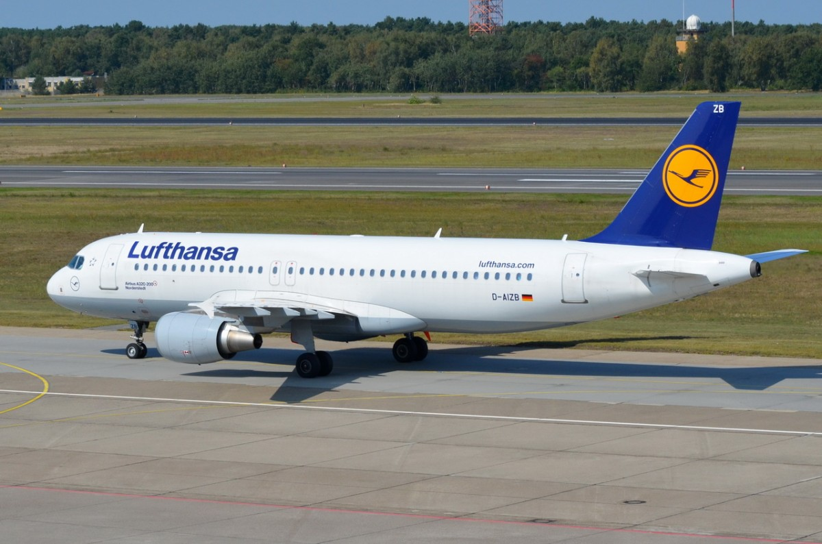 D-AIZB Lufthansa Airbus A320-214   zum Gate in Tegel am 04.09.2014