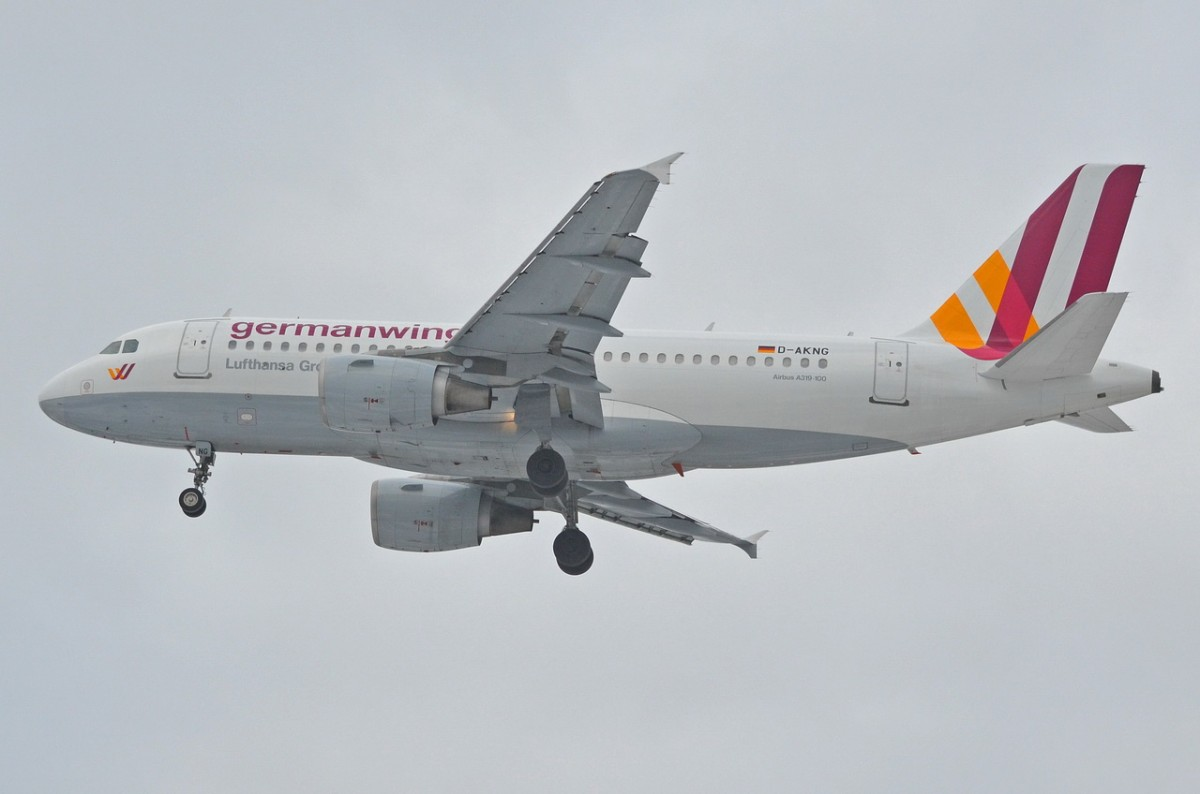 D-AKNG Germanwings Airbus A319-112  am 04.02.2015 in Tegel beim Anflug