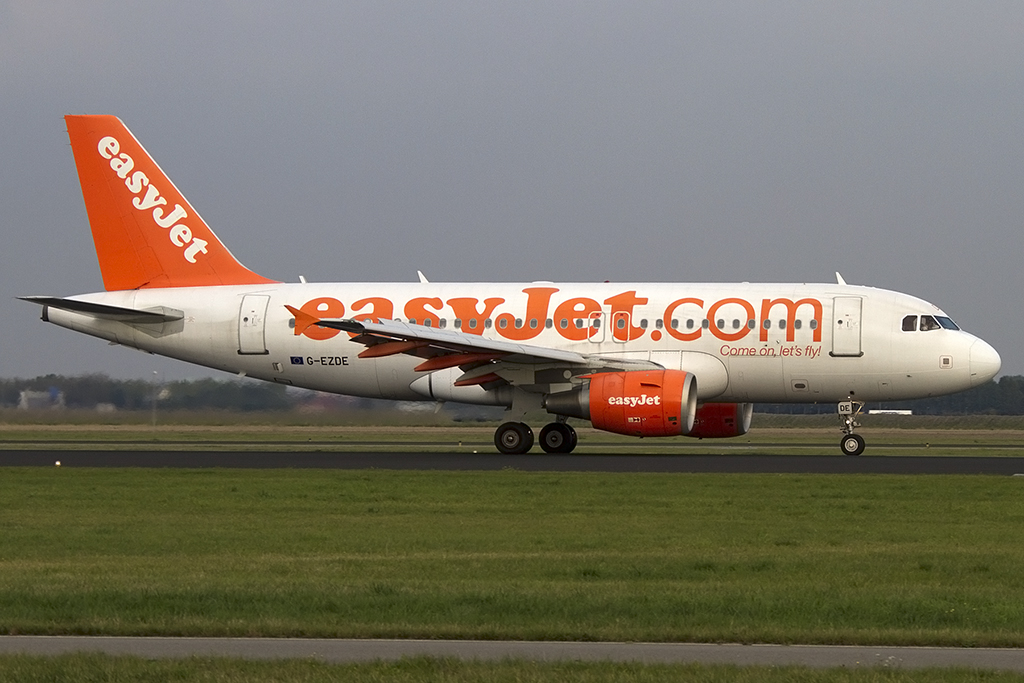 EasyJet, G-EZDE, Airbus, A319-111, 07.10.2013, AMS, Amsterdam, Netherlands