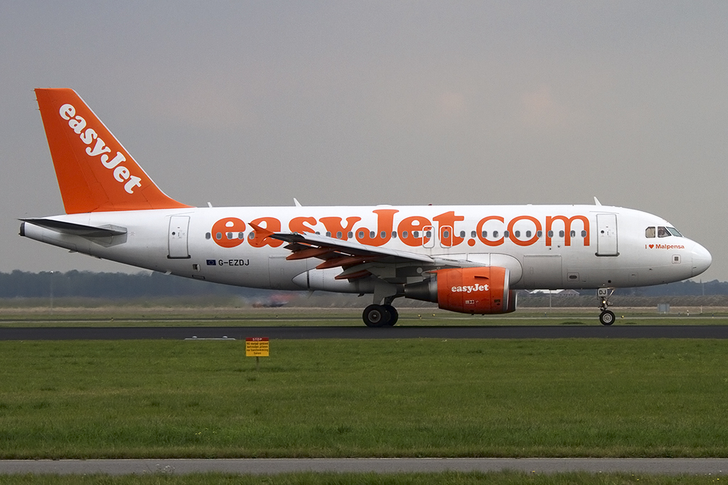 EasyJet, G-EZDJ, Airbus, A319-111, 07.10.2013, AMS, Amsterdam, Netherlands