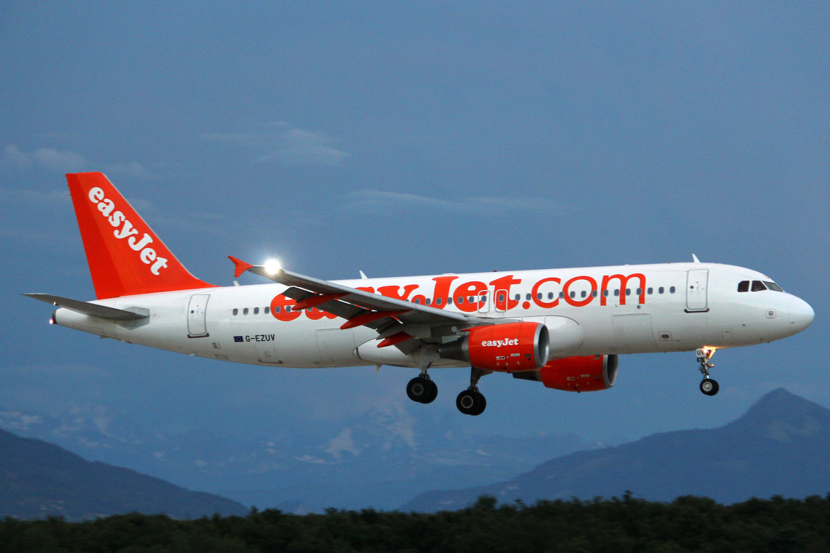 easyJet, G-EZUV, Airbus A320-214, msn: 5111, 08.August 2014, GVA Genève, Switzerland.