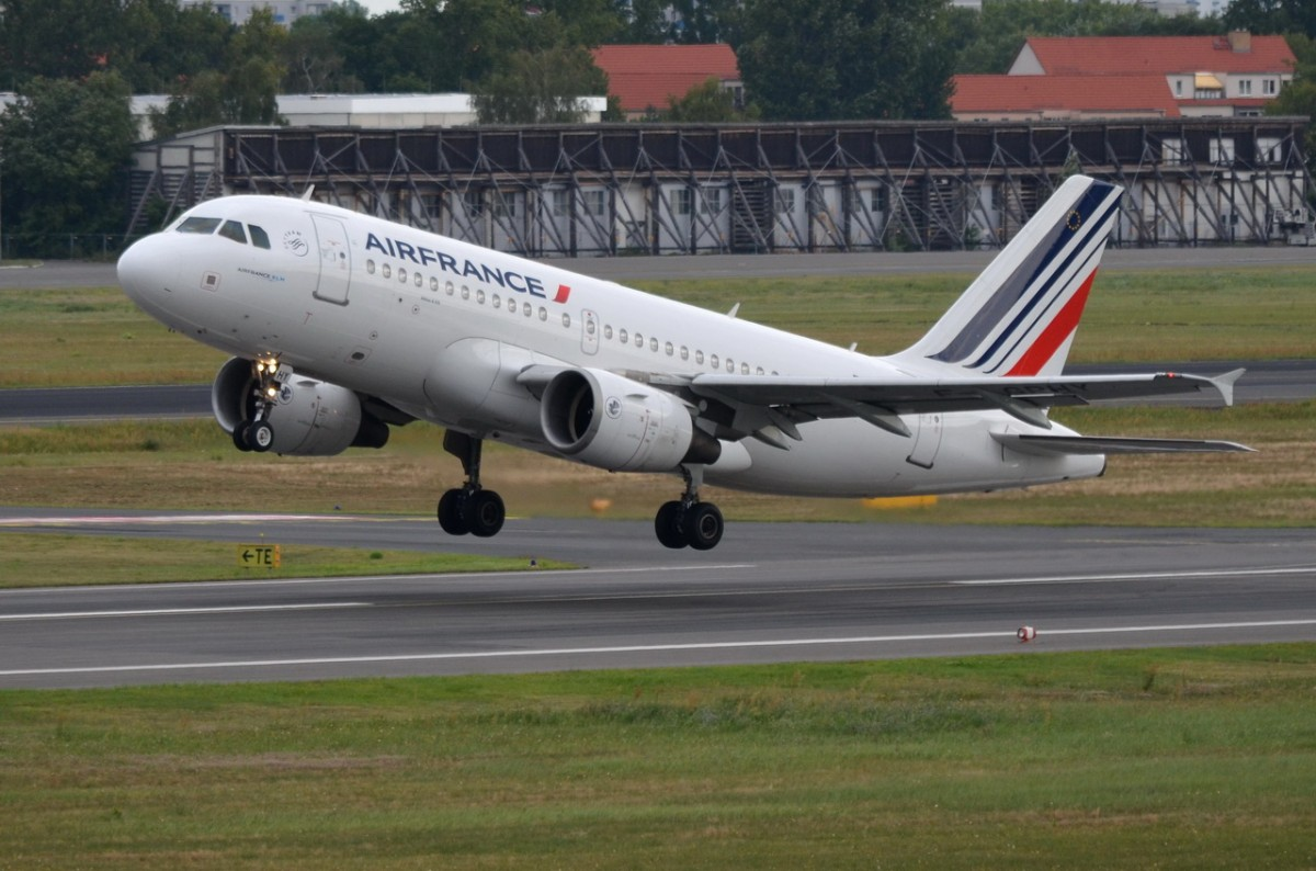 F-GRHY Air France Airbus A319-111    Start am 12.08.2014 in Tegel