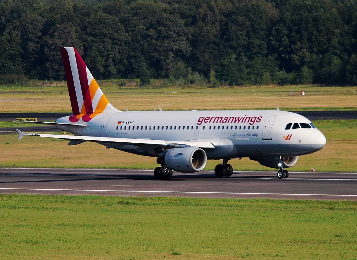 Germanwings A 319-112 D-AKNG beim Start in Berlin-Tegel am 11.07.2014